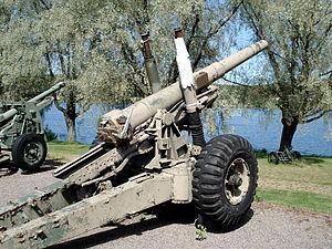 300px-Ordnance_bl55_140mm_gun_hameenlinna_1