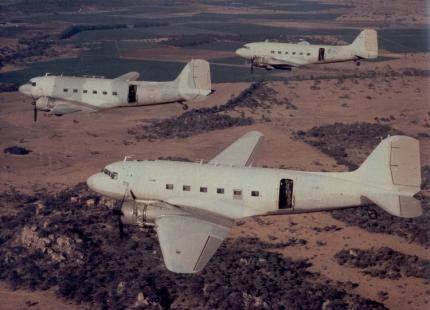 Rhodesian%20Air%20Force%20Dakotas%20strela%20mod%20from%20Peter%20Petter%20Bowyer[1]