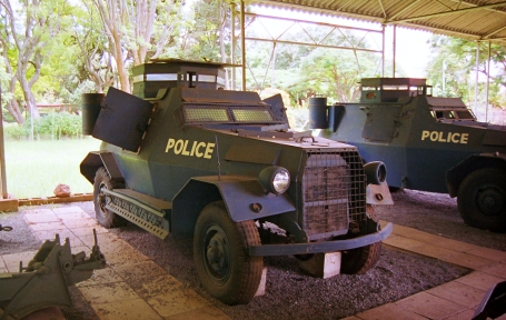 Marmon-Herrington_Armoured_Car_Mk_III_(9685391849)